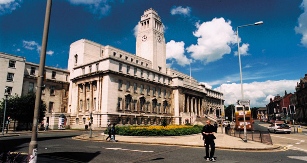 University-of-Leeds-scholarship2
